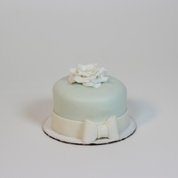 "4 Mmf Cake With Gumpaste Rose And Bow 4"" MMF cake with gumpaste rose and bow!"