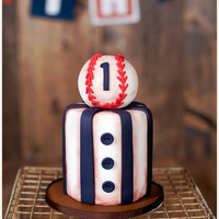 Vintage Ball Game!  Fun and TINY 4inch smash cake for a cutie turning 1. Baseball is RKT with and fondant with fondant detailing. I used a brown luster dust to...