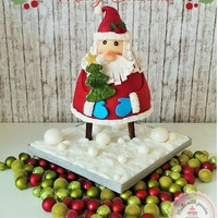 Santa Claus Is Coming To Town Hello my lovely cake friends, this is my Santa cake for our christmastime with the family. I hope you like it and I wish you a Merry...