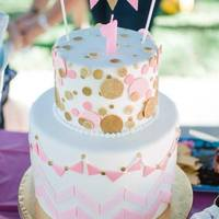 Pink & Gold 1St Birthday   PInk & gold (edible) glitter 1st birthday cake