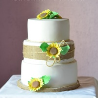 Sunflowers, Rustic cake for a wedding in the countryside
