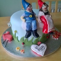 Gnomeo & Juliet Birthday cake for a lovely 2yr old.