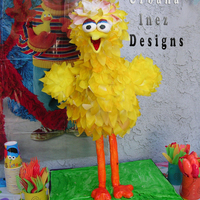Big Bird Birthday 3D standing Big Bird. Belly & head were cake. Almost completely covered in layers of wafer Paper and airbrushed yellow. Stood almost 3...