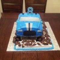 Monster Truck 3'D monster truck, half chocolate and vanilla cake