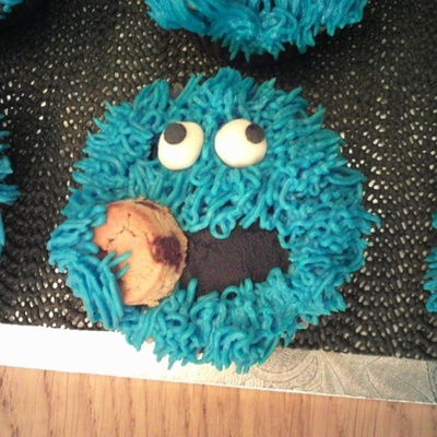 Cookie Monster Cupcakes For My Sons 4Th Birthday