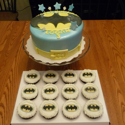 Batman Birthday Cake And 12 Cupcakes