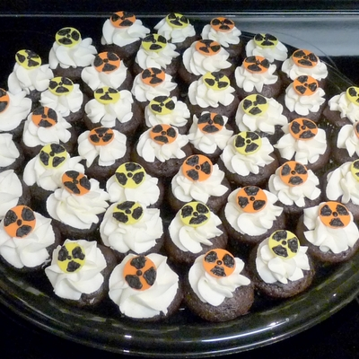 Mini Radiation Cupcakes For Mrt Week