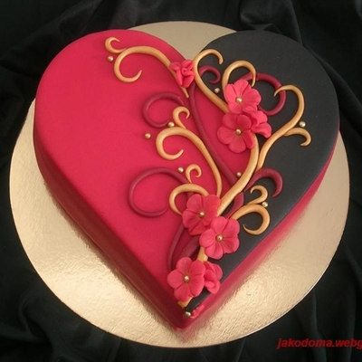Beautiful Heart Cake Images : Unconventionally Beautiful - Black and Gold Wedding Cakes ...