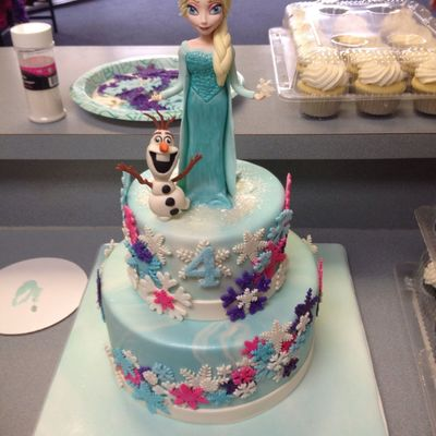 Frozen Themed Cake With Fondant Figures
