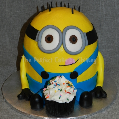 Minion Cake From The Movie Despicable Me I Used Two 6 Rounds Plus Half A Ball Pan Iced In Buttercream Fondant Accents The Hair Is Ju