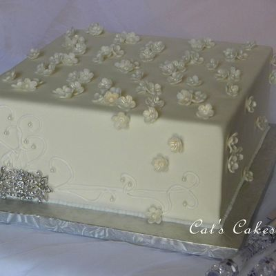 Broach Wedding Cake