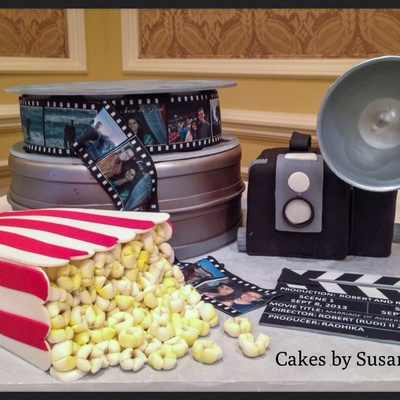 Old Fashion Camera With Movie Themed Grooms Cake The Groom Is A Director And The Bride Is A Producer
