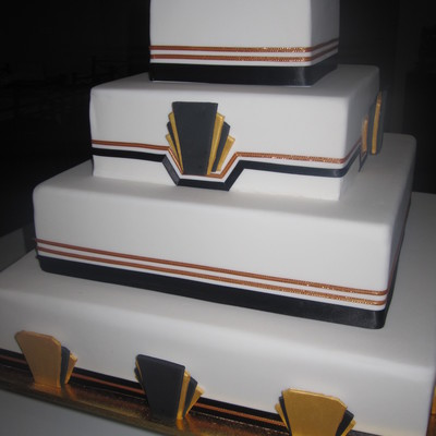 White/black/gold- 4 Tier