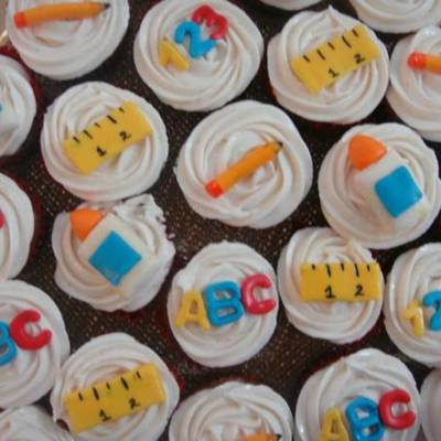 End-Of-The-School-Year Cupcakes