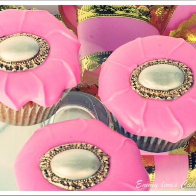 Pink Button Cupcakes