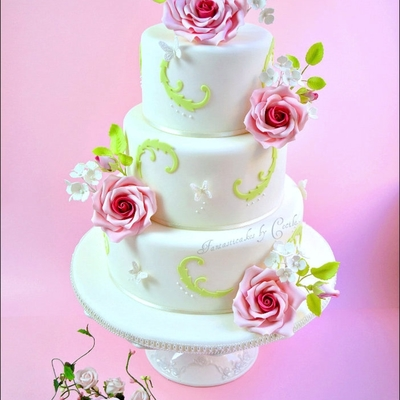 Roses And Hydrangeas Wedding Cake