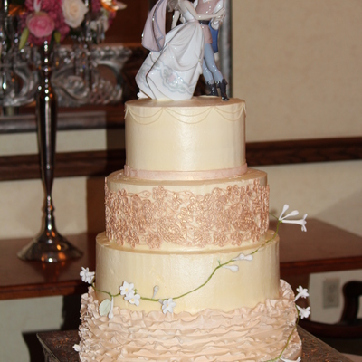 Lladro Lace And Ruffle Cake