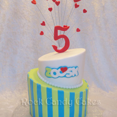 Made For Zoosks 5 Year Anniversary Party They Are An On Line Datingcouples Social Network 68 Topsy Turvy Cake With Their Logo Carved