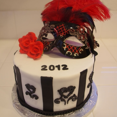 Nye Cake With Mask
