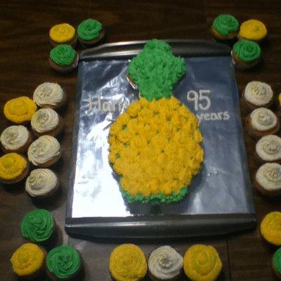 Pineapple Shaped Cake Pops