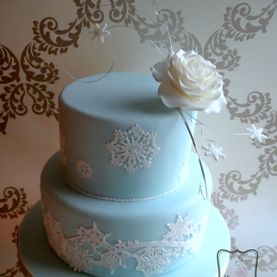 Elsa From Disneys Frozen Inspired Wedding Cake I Wanted Something Very Simple Yet Elegant