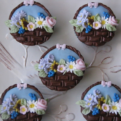 Flower Baskets Cupcakes