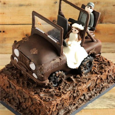 The Bride Wanted Her Groom To Have His Jeep For His Cake He Loves To Go Mud Riding And Hunting So We Also Incorporated Those Elements T