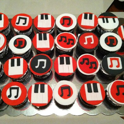 Piano Themed Cupcakes