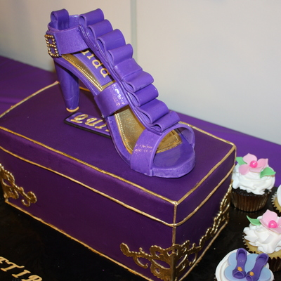 Shoe And Box Cake Everything Is Edible Tfl