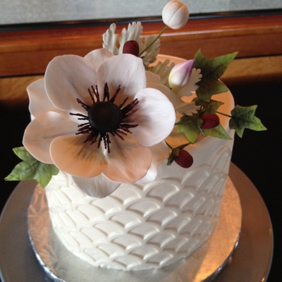 Cute Little Wedding Cake With Sugar Anemone Leaves And Buds I Used One Of The Marvelous Molds Onlays For The Sides