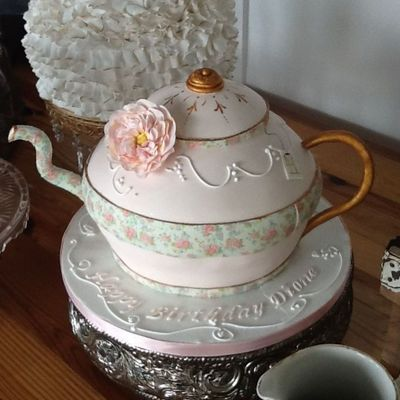 Teapot Cake With Sugar Flower