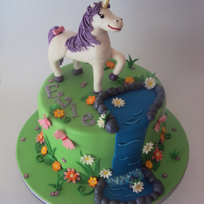 Unicorn Cake Decorating Photos