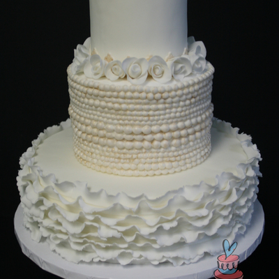 Dummy Cake For Bridal Show Fondant Ruffles Pearls And Roses