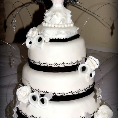 "Black And White Themed Cake For A ""white Dress Gala"""