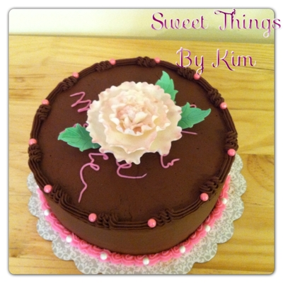 Chocolate Cake With Gumpaste Flower