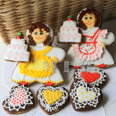 Cookies For A Cake Decorator