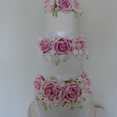 1086 Featuring Lots Of Sugar Roses Lily Of The Valley Hydrangea And White With Pink Fantasy Filler Flowers Tfl D