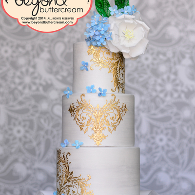 Wafer Paper Cake With Gold
