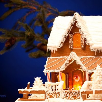 Gingerbread House (Small)