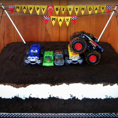 Monster Truck Cake Cookies Amp Cream Cake With Cookies Amp Cream Filling Buttercream Icing A Top Layer Of Ganache Mud Covered I