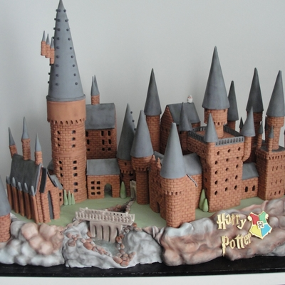 Harry Potter Hogwarts Castle Cake