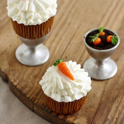 Carrot Cupcakes With Ruffled Cream Cheese Smbc And Marzipan Carrots