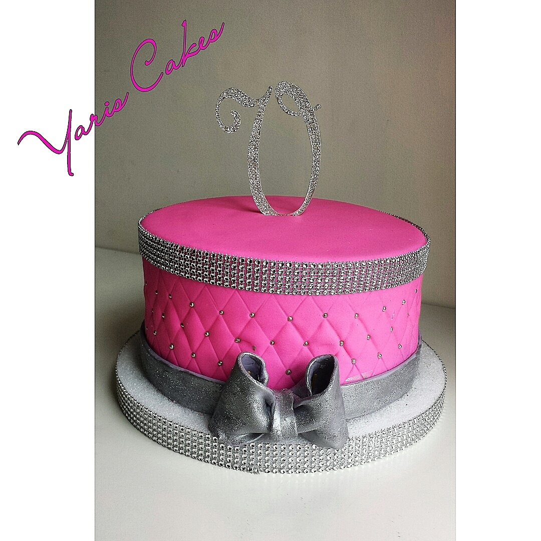 Bow Cake Decorating Photos