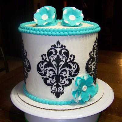 Barrel Cake For A Baby Shower Baby Shoes And Bead Border Are Fondant Cake Is Filled With Smbc Frosted With American Buttercream And Damas