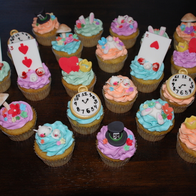 Alice In Wonderland Cupcakes These Were Banana Cake With Coconut Cream Buttercream And Handmade Fondant Decorations