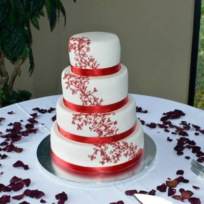 Red Scroll Work Wedding Cake