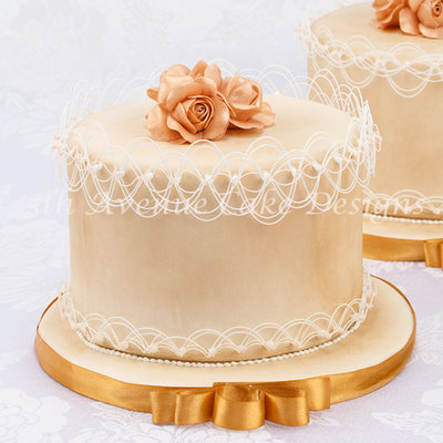 Create Amazing Works Of Art With Royal Icing And A Piping Bag Being Able To Bend Sugar In Mid Air Over The Top Of The Cake