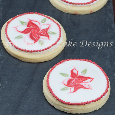 Christmas Cookies With Wet On Wet Piping