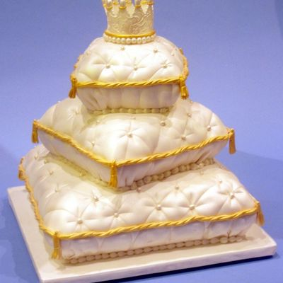 Pillow Cake For The Ices Convention