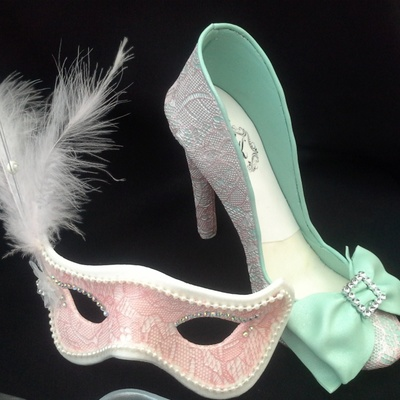 Masquerade Mask Amp Lace Cover Shoe Both Make Using Gum Paste
